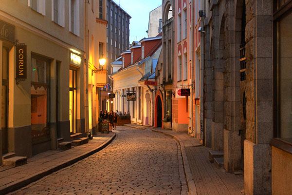 ヨーロッパの夕暮れの街並み