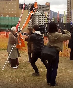 平成中村座小倉城公演テレビ取材の様子